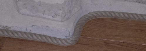 Réalisation d'une plinthe de paquet avec une corde de chanvre
