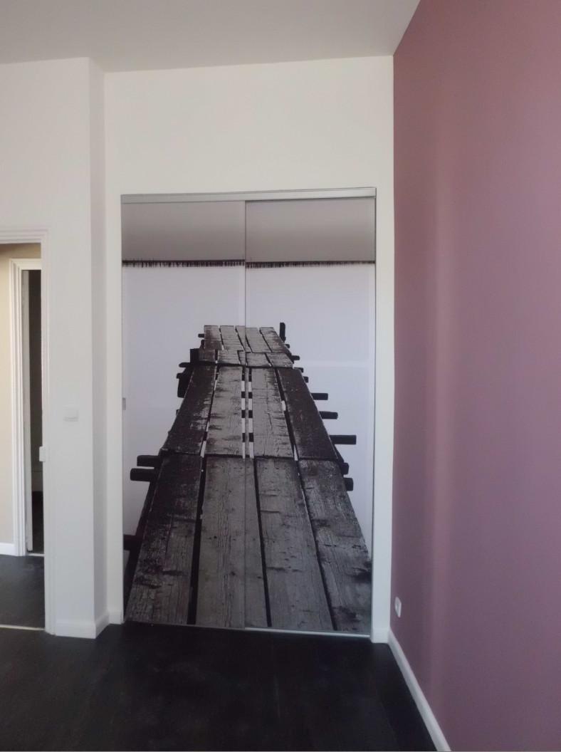 La porte décorative crée un volume