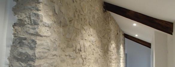 Rénovation d'une maison de village en pierre dans le Gard