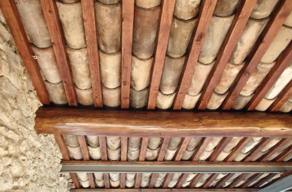 restauration de la sous face de toiture en tuile canal traditionnelle